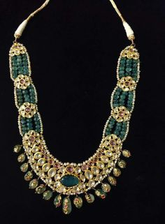 Traditional Emerald and Polki neckpiece Diamond Jewelry, Beaded Jewelry, Gold Jewelry, Beaded Necklace, Gold Necklaces, Antique Necklace, Antique Jewelry, Hyderabadi Jewelry, India Jewelry