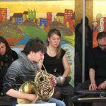 Το 6daEXIt IMPROVISATION ENSEMBLE ξεδιπλώνει επί σκηνής ένα πρόγραμμα συνθέσεων πειραματικής μουσικής του 21ου αιώνα, μέρος των οποίων γράφτηκε ειδικά για τους 6daΕΧΙt, έπειτα από ανοιχτή πρόσκληση του συνόλου προς συνθέτες πειραματικής μουσικής σε όλο τον κόσμο. Thessaloniki