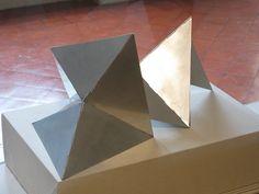'Bicho: Carangueijo Duplo' - escultura em alumínio, 1961, Lygia Clark, Pinacoteca do Estado de SP