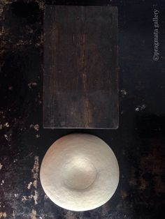""" ! "" Ceramic pot, tsubo, by Kazunori Hamana.  「 ! 」 浜名一徳さんの壺です。 #ceramic #tsubo #japanese_pottery #gallery #Tokyo"