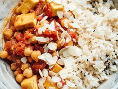 Gemüse-Kichererbsen-Curry mit Tofu Rezept Korma, Eat Smarter, Apple Cider Vinegar, Chana Masala, Low Carb, Rice, Vegan, Ethnic Recipes, Food
