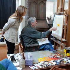 Master Richard Schmid demonstrating for actress/artist Jane Seymour. Photo by Michelle Dunaway.