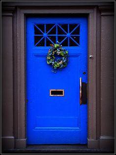 Ideas Bright Blue Front Door Colors For 2019 Bright Front Doors, Front Door Paint Colors, Painted Front Doors, Wall Paint Colors, Room Paint, Front Door Entryway, Entry Doors, Front Porch, Exterior Doors