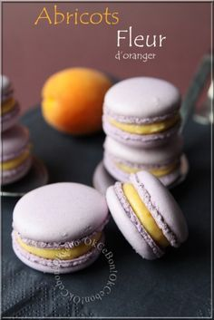 Macarons abricot fleur d'oranger