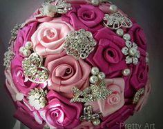 Buquê de broches - rosas com amor
