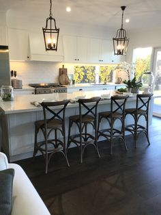 The Hamptons is known as the playground for the wealthy. Contact us if you would like to recreate the look of the Hamptons style kitchen in Melbourne. Kitchen Buffet, Home Decor Kitchen, Country Kitchen, Kitchen Furniture, New Kitchen, Home Kitchens, Dream Kitchens, Rustic Kitchens, Kitchen Interior