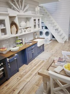 Mini Kitchen, Miniature Kitchen, Miniature Houses, Doll House Kitchen, Mini Houses, Miniature Crafts, Miniature Food, Modern Dollhouse Furniture, Miniature Furniture