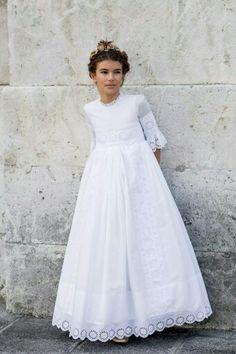 Vestido First Communion Dresses, Baptism Dress, Blush Flower Girl Dresses, Première Communion, Little Girl Fashion, Birthday Dresses, One Shoulder Wedding Dress, Girl Outfits, White Dress