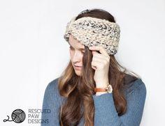 Free Easy Ear Warmer Crochet Pattern & Tutorial.