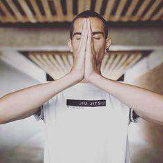 Mokuso Silent   Still   Think .-.-..—.-..-.-.-..-.-..-.-.-..-.-..-..-.-.-..—.-. Purchase: Link in Bio #jiujitsu #jiujitsulifestyle #brazilianjiujitsu #bjj #jiujitsumemes #jiujitsutraining #jiujitsu technique #jiujitsulife #pnwbjj #pacificnwjiujitsulifestyle  #jiujitsufamily  #jiujitsugirls #jiujitsunw Jiu Jitsu Training, Brazilian Jiu Jitsu, Lifestyle, Link, Clothing, Shirts, Outfits, Outfit Posts, Dress Shirts
