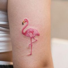 A mini flamingo is a good reason to bust out all the pinks. #refinery29 http://www.refinery29.uk/2016/04/109346/watercolor-tattoos#slide-1