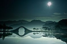 Moon Bridge in Taipei, Taiwan.  Flickr- bbe022001