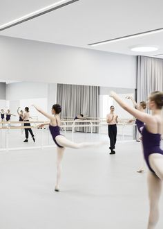The Australian Ballet Refurbishment in Melbourne by HASSELL Studio. Dance Studio Design, Home Dance Studio, Ballet Studio, Australian Ballet School, Melbourne Architecture, Dance Rooms, Ballet Pictures, Ballet Performances, Dance Academy