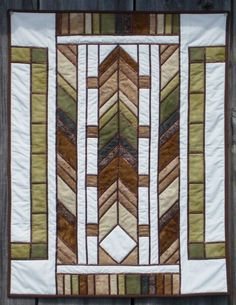 Frank Lloyd Wright stained glass quilt - OMG I made one very similar in purples and greens! Stained Glass Quilt, Stained Glass Designs, Stained Glass Patterns, Scrappy Quilts, Mini Quilts, Craftsman Quilts, Craftsman Style, Quilting Projects, Quilting Designs