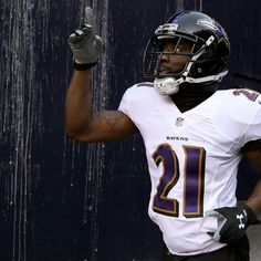 The  Baltimore Ravens  and free-agent defensive back  Lardarius Webb  came to terms Saturday on a new contract, according to ESPN's  Adam Schefter and the Houston Chronicle 's  Aaron Wilson ...