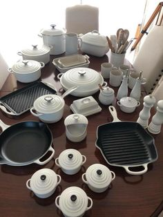 Cute Kitchen, Kitchen Sets, Home Decor Kitchen, Kitchen Furniture, Kitchen Organisation, Home Organization, Cool Kitchen Gadgets, Cool Kitchens, Kitchen Essentials List