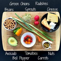 Simple Salad Hacks Guaranteed to Sway the Skeptics. Great ideas for keeping your salads fun, funky and fresh. Entree Recipes, Top Recipes, Lunch Recipes, Vegetarian Recipes, Healthy Recipes, Healthy Eats, Delicious Recipes, Recipies, Make Ahead Meals
