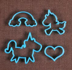 Use our designer unicorn cookie cutter set with rainbow, heart and 2 unicorn cookie cutters to make sweet cookies for birthday party favors and more! To decorate your cookies, check out our large sele