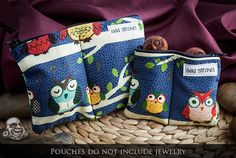 Owl print divided plug and jewelry pouch
