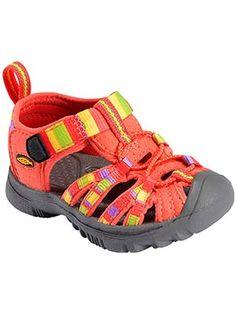 k's whisper est une paire de sandale Keen pour fille
