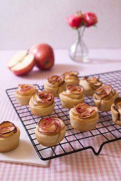 Retrouvez cette recette en vidéo sur ma chaîne Youtube.Impossible de passer à côté de cette recette de rosaces aux pommes si vous...