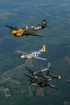 Military Aircraft — Great formation of a P-40 P-51D F4U and a B-25... Jet Fighter Pilot, Fighter Jets, Ww2 Aircraft, Fighter Aircraft, Military Jets, Military Aircraft, Old Planes, Vintage Airplanes, Battleship