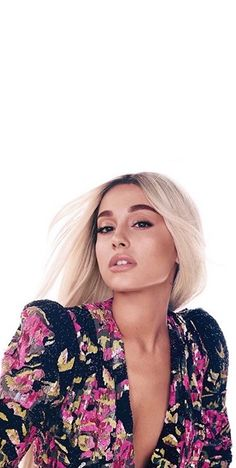 ariana - - - Wallpaper World Ariana Grande Cute, Ariana Grande Photos, Ariana Grande 2018, Ariana Grande Lyrics, My Beauty, Hair Beauty, Ariana Grande Wallpaper, Famous Singers, Beautiful People
