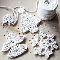 Набор из трех ёлочных украшений вязаных из трикотажной пряжи. Ручная работа. Елка. Снежинка. Ангел #craftaua #handmade #newyear #fir #christmastreetoy #snowflake