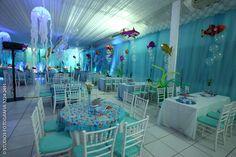 Risultati immagini per festa fundo do mar lembrancinhas Dolphin Birthday Parties, Costume Birthday Parties, 5th Birthday Party Ideas, Ocean Party, Water Party, Little Mermaid Birthday, Little Mermaid Parties, Moana, Bubble Guppies Birthday