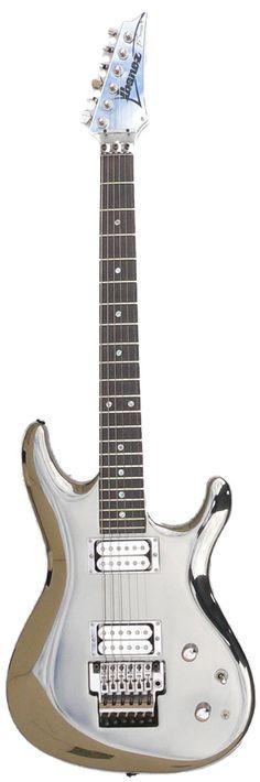 L'Ibanez custom Chrome Boy de Joe Satriani. Retrouvez des cours de guitare d'un nouveau genre sur MyMusicTeacher.fr