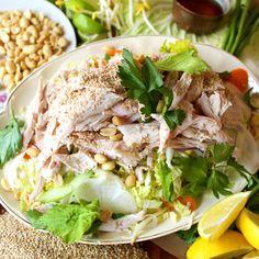 Salade de chou à la dinde - Butterball Tahini, Turkey Salad, Napa Cabbage, Root Vegetables, Turkey Breast, Healthy Eating Recipes, Kettle, Salad Recipes, Carrots
