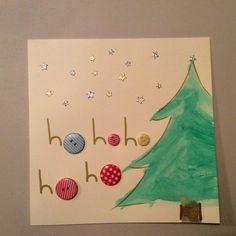 Kerstkaart maken met kinderen (eenvoudig). Kerstboom geverfd met waterverf. Knoopjes gekocht bij Hema. Sterretjes (stickers) gekocht bij Pippoos, evenals de blanco kaart. Easy Crafts, Crafts For Kids, Christmas Crafts, Xmas, 5 Minute Crafts, Party Time, Mickey Mouse, December, Card Making