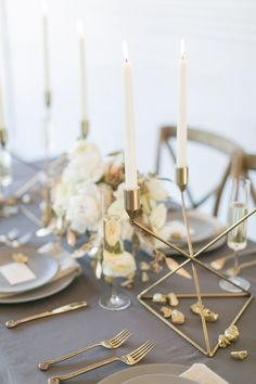 Modern Wedding Inspiration with Gray and Gold modern grey and gold tablescape – photo by Amanda Jameson Photography Gold Wedding Colors, Wedding Themes, Wedding Designs, Wedding Decorations, Table Decorations, Wedding Gold, Wedding Ideas, Wedding Suits, Wedding Bridesmaids