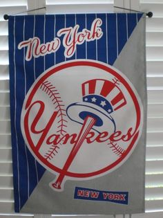 NEW YORK YANKEES FLAG BANNER MANCAVE PORCH/HOUSE WALL HANGING W/ POLES