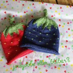 Saras sida.: Jordgubbsmössa eller blåbärsmössa   #Stickadebabykläder Saras sida.: Jordgubbsmössa eller blåbärsmössa... Knitting Socks, Knitted Hats, Baby Knitting Patterns, Crochet Patterns, Diy And Crafts, Crafts For Kids, Baby Barn, Knitted Animals, Knitting Projects
