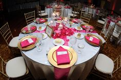 Wedding table setting idea. Magenta or a darker pink and gold go very well together.
