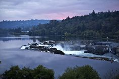 Willamette Falls between Oregon City and West Linn in Mt. Hood Territory looks beautiful during twilight. One of my favorite places in the world. Oregon Camping, Oregon Travel, Oregon City, Portland Oregon, Places To Travel, Places To See, West Linn, Oregon Living, Eugene Oregon