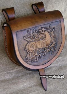 Beautiful Viking Belt Bag. http://www.wojmir.pl/torebki.htm