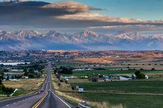 Polson, Montana photo by Mark Mesenko Montana Living, Big Sky Montana, Montana Homes, Visit Montana, Montana Ranch, Places To Travel, Places To Visit, Big Sky Country, Jack Kerouac