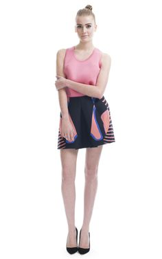This abstract vertebrae-printed mini skirt features an inverted box pleat at front   Back zip   100% rubber bonded silk
