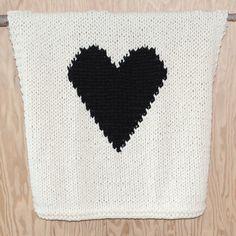 Knitted+Heart+Baby+or+Lap/Throw+Blanket+van+YarningMade+op+Etsy,+$95,00