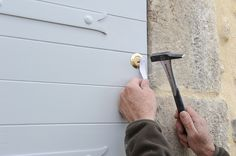 Fabriquer une porte-volet en bois massif | Bricolage avec Robert