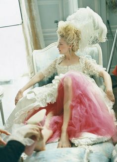 Photos from Marie Antoinette Movie - Ananas à Miami