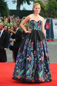 Elizabeth Banks in Andrew Gn, Venice Film Festival, Sep 2015