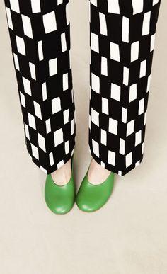 Uuden malliston housut ja haalarit nyt Marimekon verkkokaupassa. Tervetuloa ostoksille!