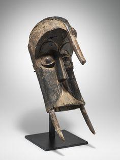 """Maske, """"""""ogbodo enyi"""""""" Igbo-Izzi, Nigeria H 48 cm."""