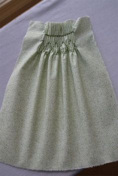 hand smocking tutorial.