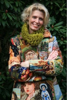 Handmade coat by Annet Schottert (Netherlands) from vintage needlepoint pieces. Handmade coat by Annet Schottert (Netherlands) from vintage needlepoint pieces. Mona Lisa, Textiles, Ropa Shabby Chic, Tapestry Bag, Altered Couture, Vintage Embroidery, Embroidery Art, Embroidery Patterns, Refashioning