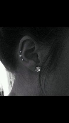 Super cute ear piercing:)