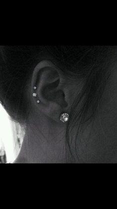 Super cute ear piercing:)